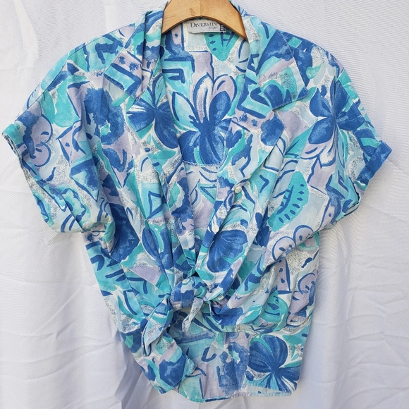 Vintage short sleeve bright floral button up